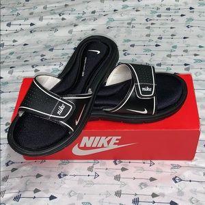 WMNS Nike comfort slides